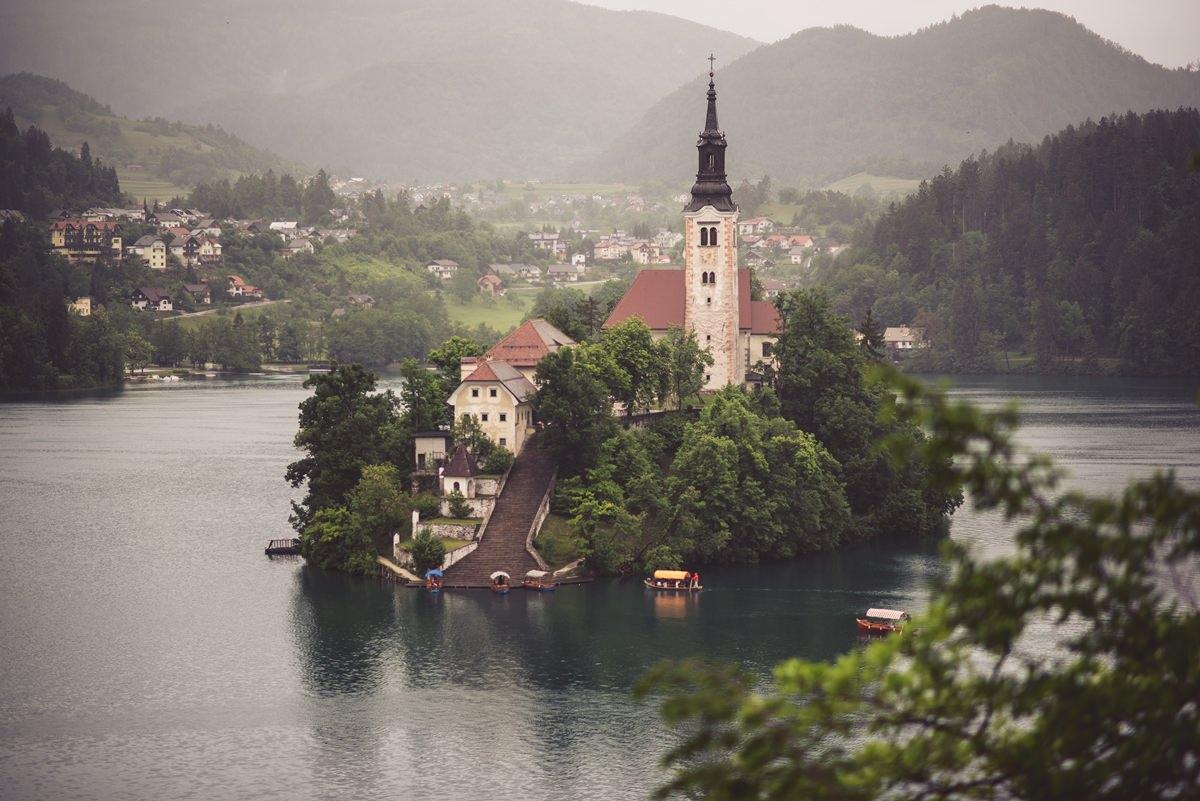 poroka bled grad blejski otok wedding castel grand hotel toplice poročni fotograf poročna fotografija 010 - Wedding on Bled: Sara + Primož