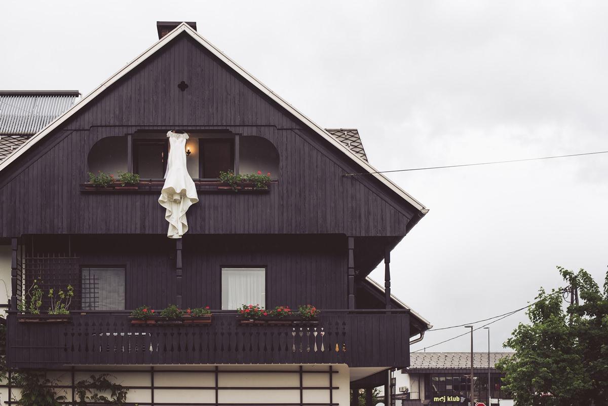 poroka bled grad blejski otok wedding castel grand hotel toplice poročni fotograf poročna fotografija 012 - Wedding on Bled: Sara + Primož