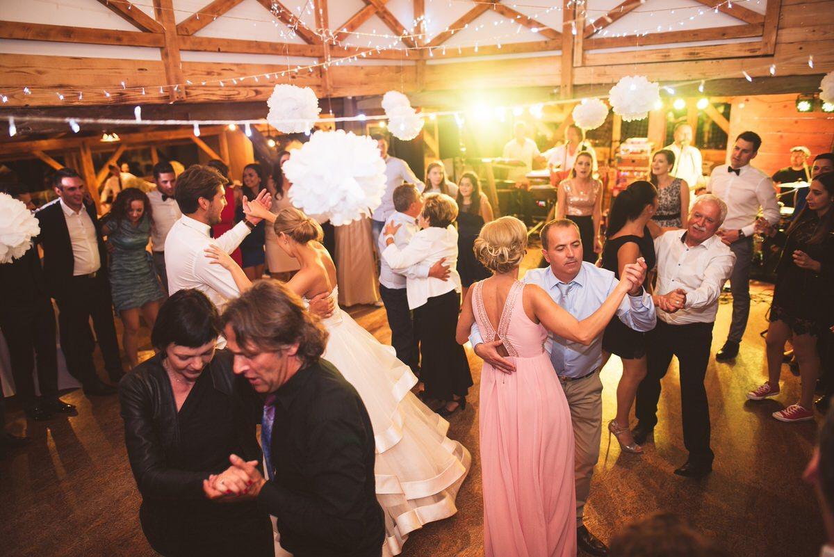ameriska sanjska poroka 224 - Autumn wedding: Tjasa + Dino